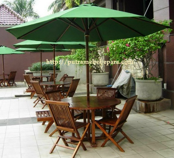 Set Meja Payung Outdoor Kayu Jati